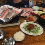 韓国ソウルの江南(カンナム)エリアにあるサムギョプサルの店
